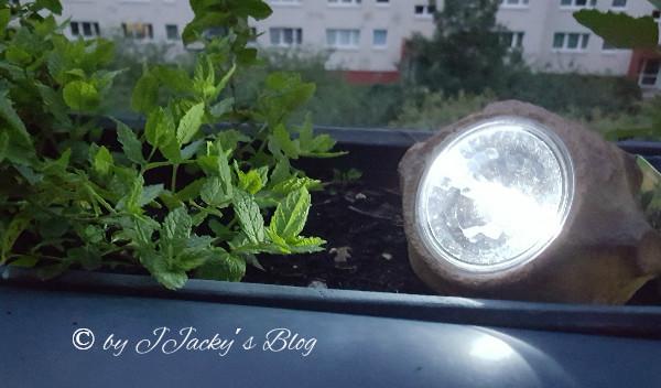 gartenlicht nun leuchtet es auch auf dem balkon jjackysblog. Black Bedroom Furniture Sets. Home Design Ideas