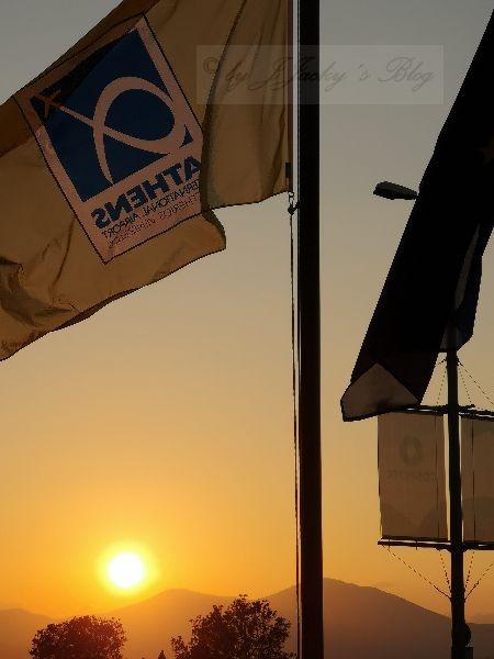 Sonnenuntergang am Flughafen Athen