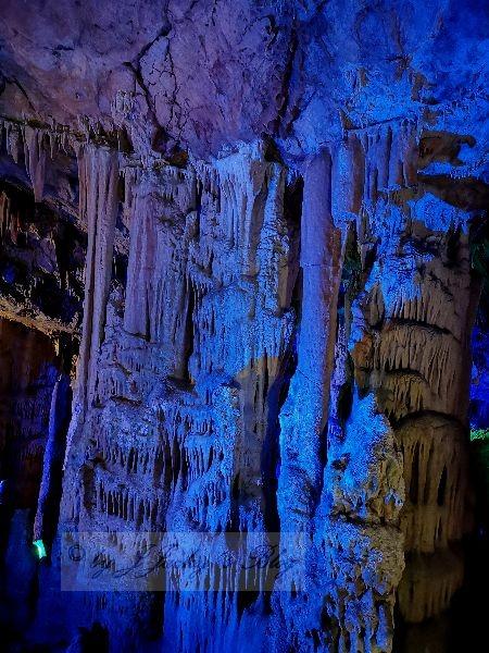 Sfendoni Cave