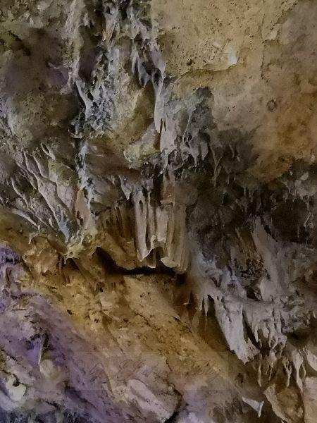 Sfendoni Cave Oxydationen